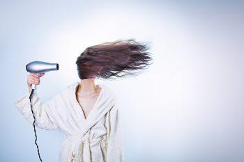cause e prevenzione della caduta dei capelli